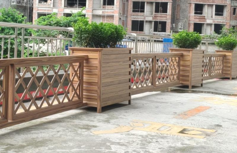 四川雅安,医院通道隔离护栏花箱