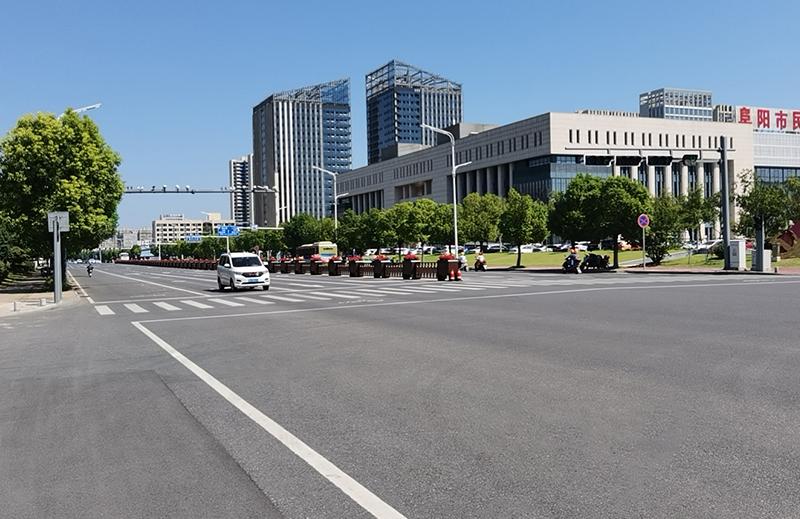 安徽阜阳-道路中央护栏花箱